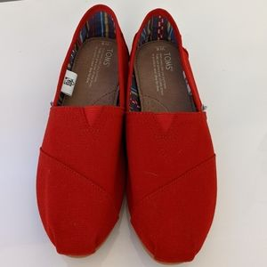 Red Toms Canvas Shoes NWOT